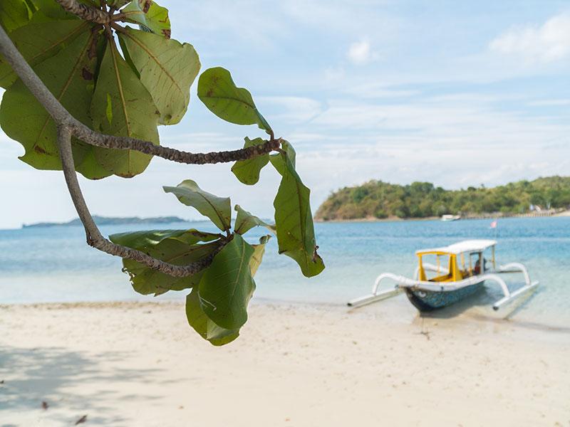gili-indonesie-kaperen-op-een-eiland-6