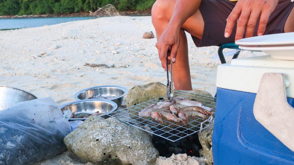 Visje op het strand in Thailand